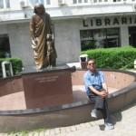 Statue of Mother Teressa, Prishtina